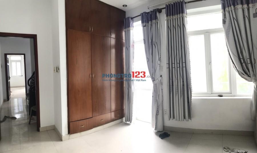 Cho thuê nhà nguyên căn 1 trệt 3 lầu 7pn tại 161A/18 Lạc Long Quân P3 Q11