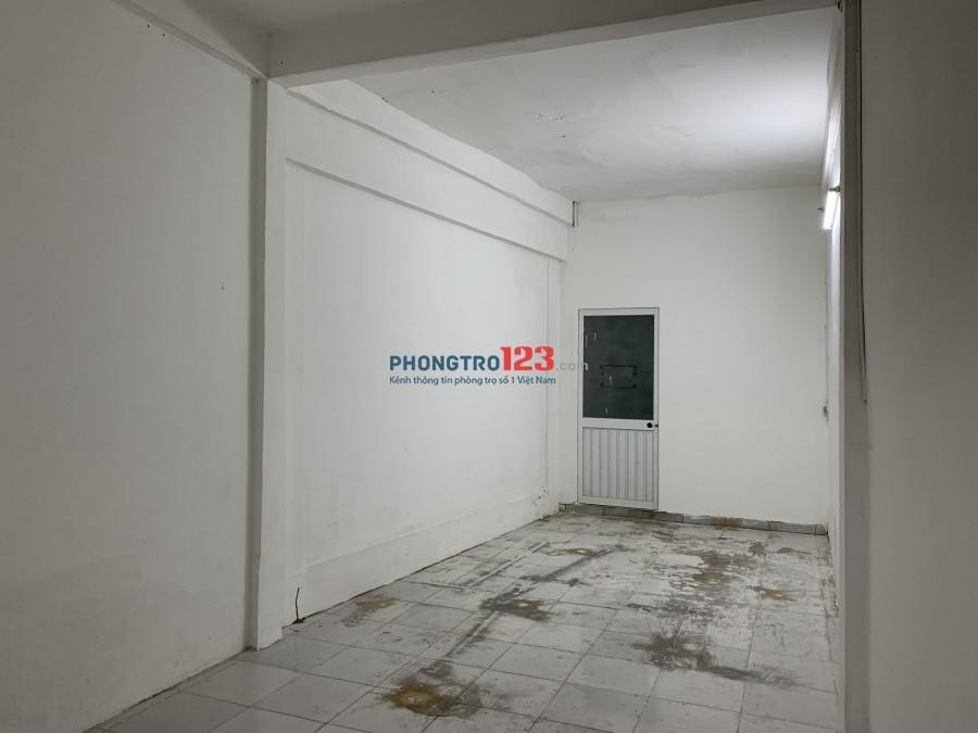 Cho thuê văn phòng Tầng 1 nhà mặt tiền 714 CMT8 P5 Q Tân Bình giá 5tr/th