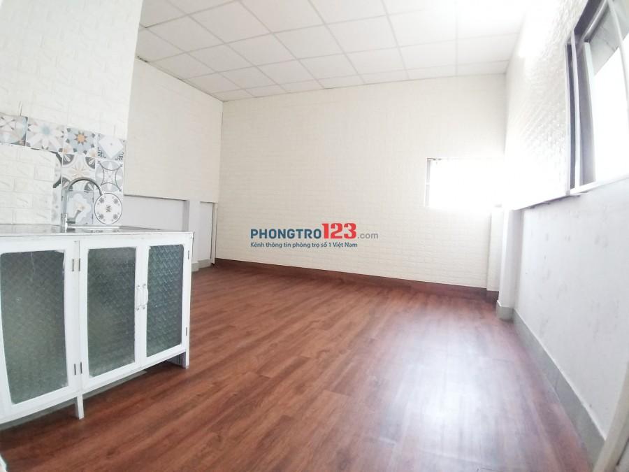 Cho thuê phòng tại Trịnh Đình Thảo, Q.Tân Phú- 2 cửa sổ- bếp riêng- WC riêng -1.7 triệu