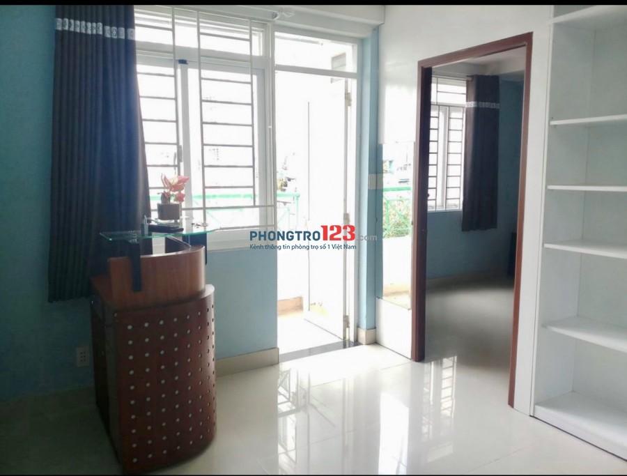 Cho thuê căn hộ có nội thất C/C Hòa Bình 60m2 2pn tại 3/2 P14 Q10 giá 8,5tr/th
