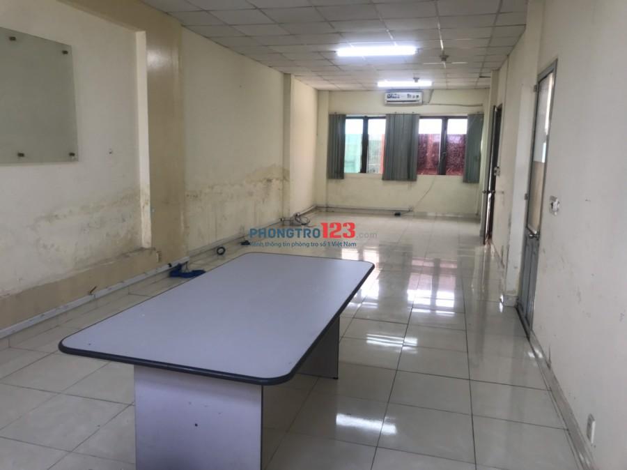Cho thuê văn phòng 56m2 có máy lạnh tòa nhà mặt tiền 173 Trương Định P9 Q3