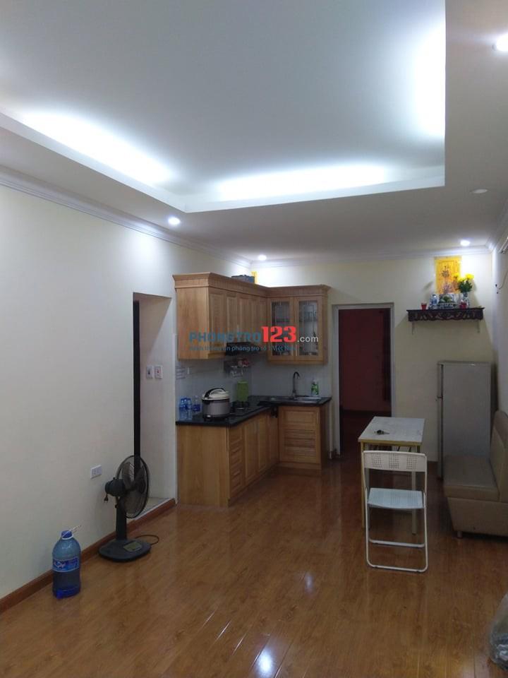 Cho thuê nhà tập thể tầng 2 phố Mai Động