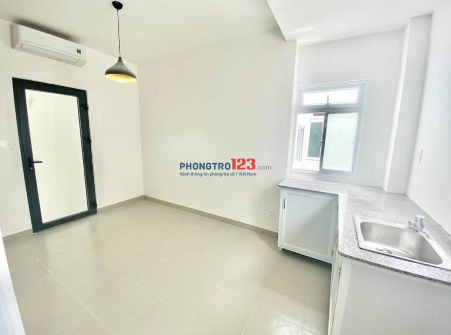 Phòng cho thuê có cửa sổ, ban công tại Lê Trọng Tấn, gần đh CNTP