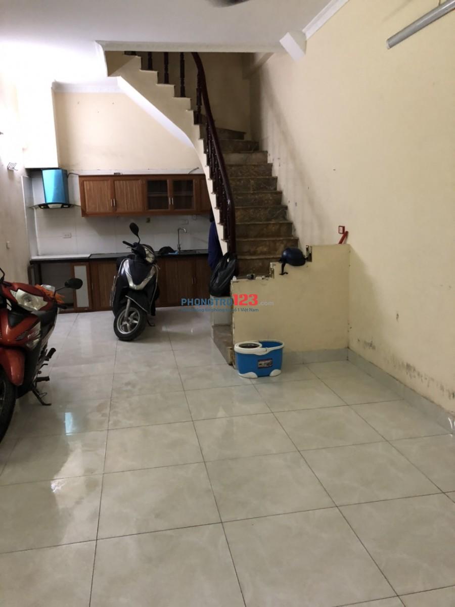 Cho thuê nhà mặt đất nguyên căn; Khu vực Tân Mai, Hoàng Mai; Hà Nội
