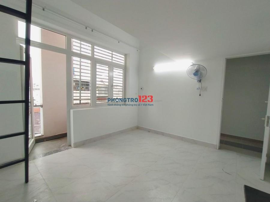 Căn hộ full nội thất giá rẻ vào ở ngay đường Trương Công Định Phường 14 Tân Bình