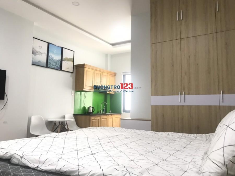 Phòng bếp Riêng - Thang máy - Đủ nội Thất Giá 7 Triệu - Cách cầu Sài Gòn 200m