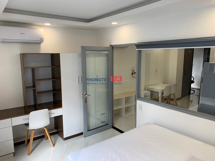 Chính chủ cho thuê căn hộ 1 phòng ngủ riêng biệt 45m2 có sân rộng, đầy đủ nội thất mới 100% tại Bình Trưng Đông, Quận 2