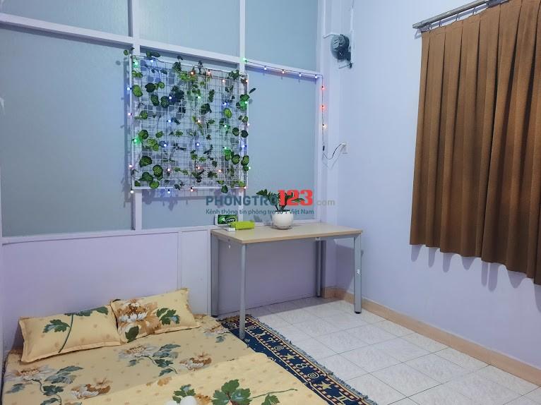 Còn 1 phòng trọ máy lạnh cho thuê hòa hưng quận 10 - Phòng Cửa sổ
