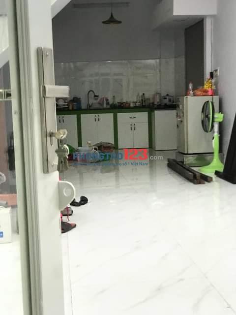 Nhà cho thuê nguyên căn Quận Phú Nhuận gần sân bay Tân Sơn Nhất ( dọn vào ngay và luôn)