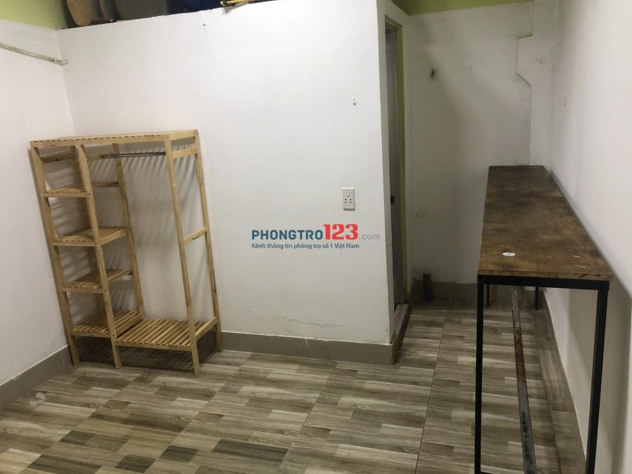 Phòng tầng trệt 22m2 giờ tự do, có máy lạnh 1-3ng ở