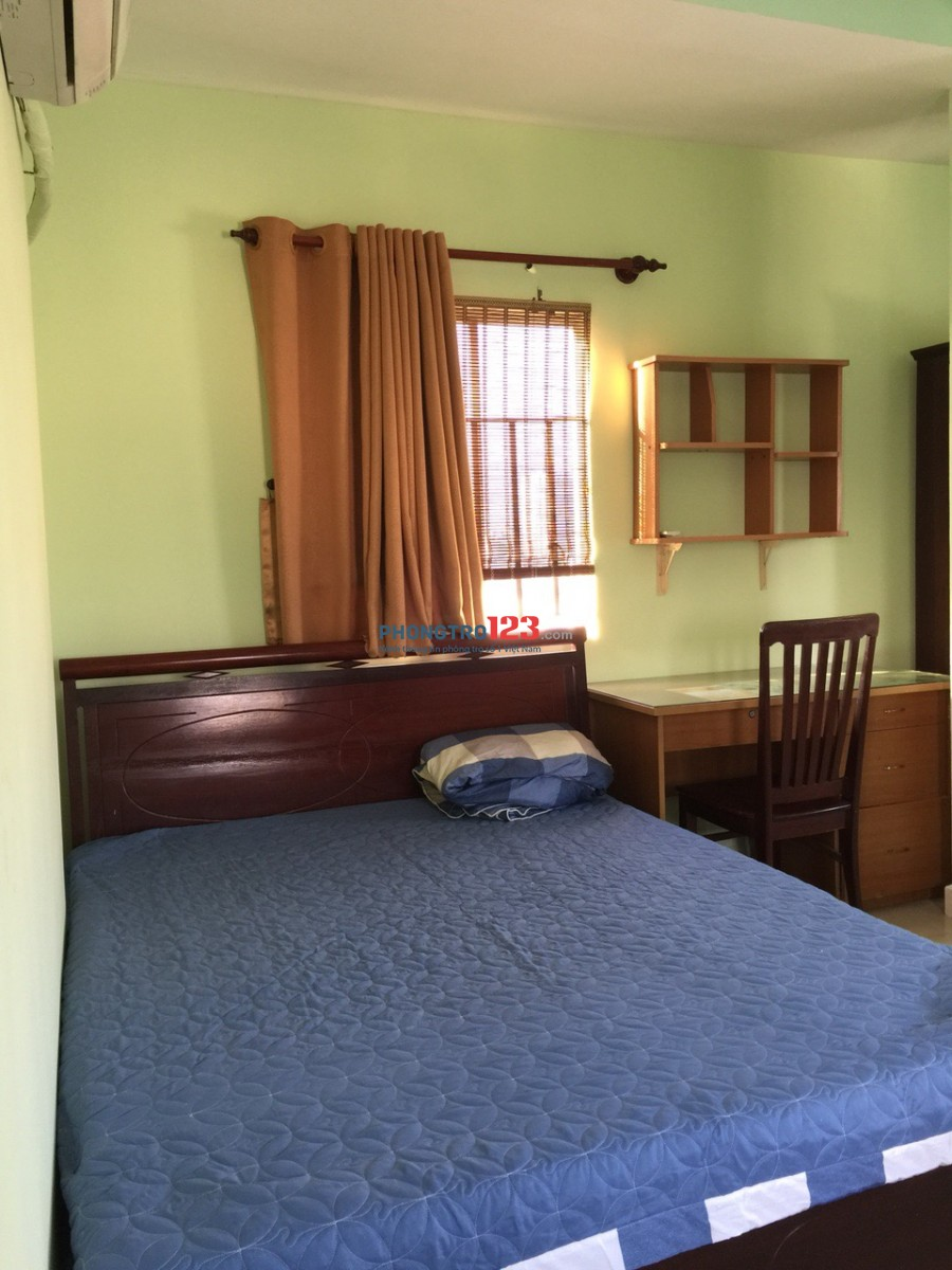 Cho thuê phòng giá:3.6 Tr/ tháng có lối đi riêng Q4