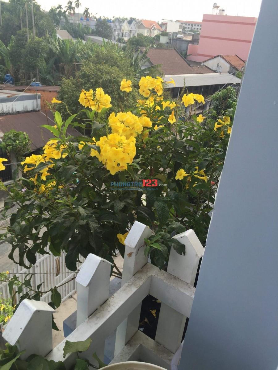 Cho thuê 2 tầng lầu sạch mới đẹp, an ninh 100% , yên tĩnh tuyệt đối, có ban công trồng hoa đẹp.