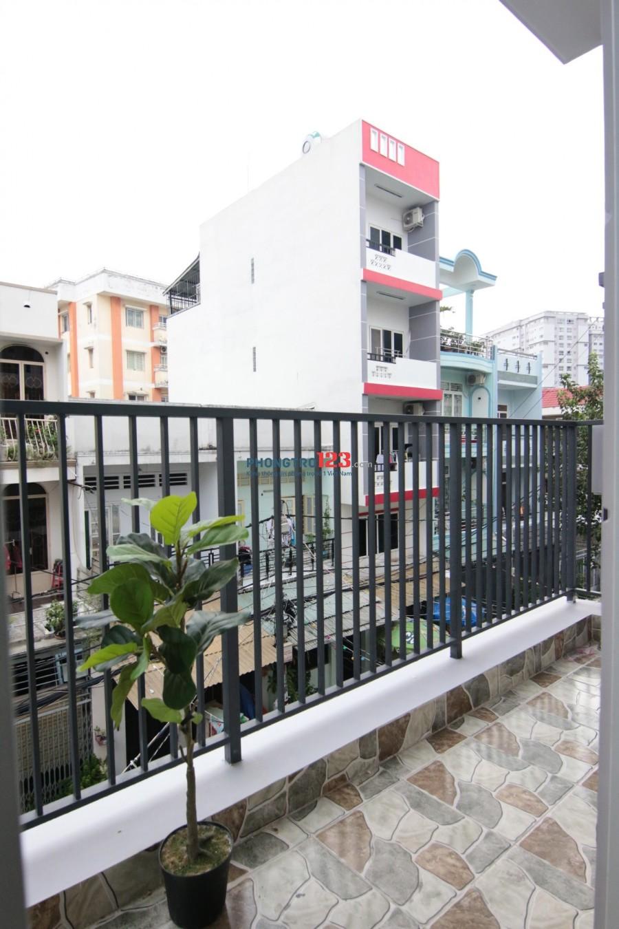 Căn hộ STUDIO cao cấp, Ban công rộng, cửa sổ thoáng - trung tâm Bình Thạnh