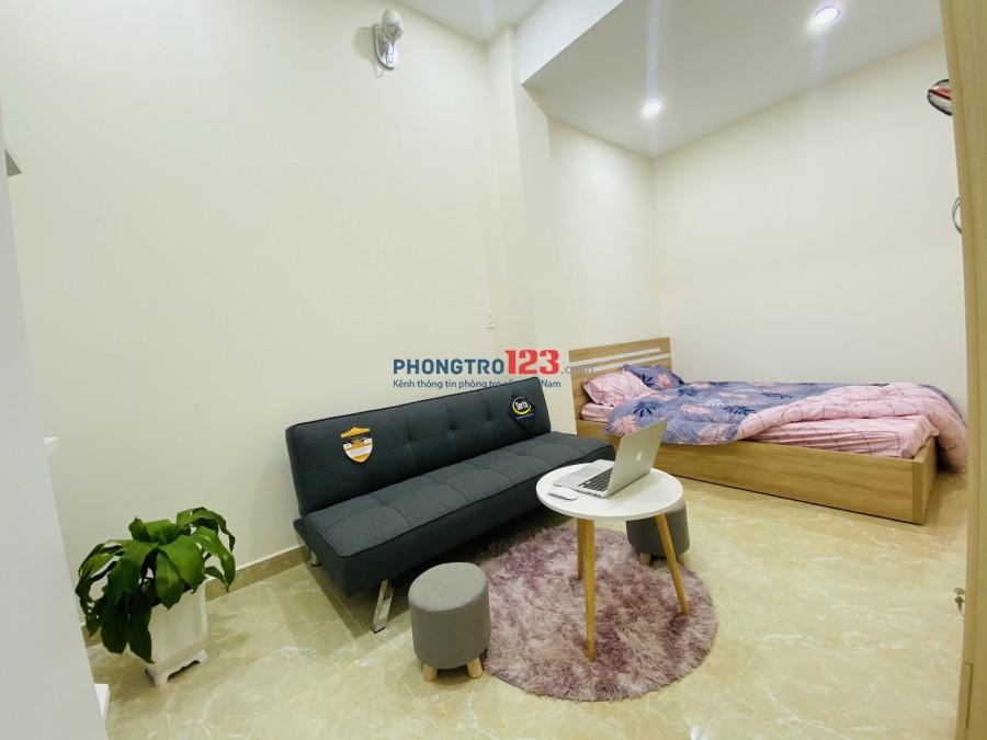 Phòng Ban công thoáng mát ở Phú Nhuận