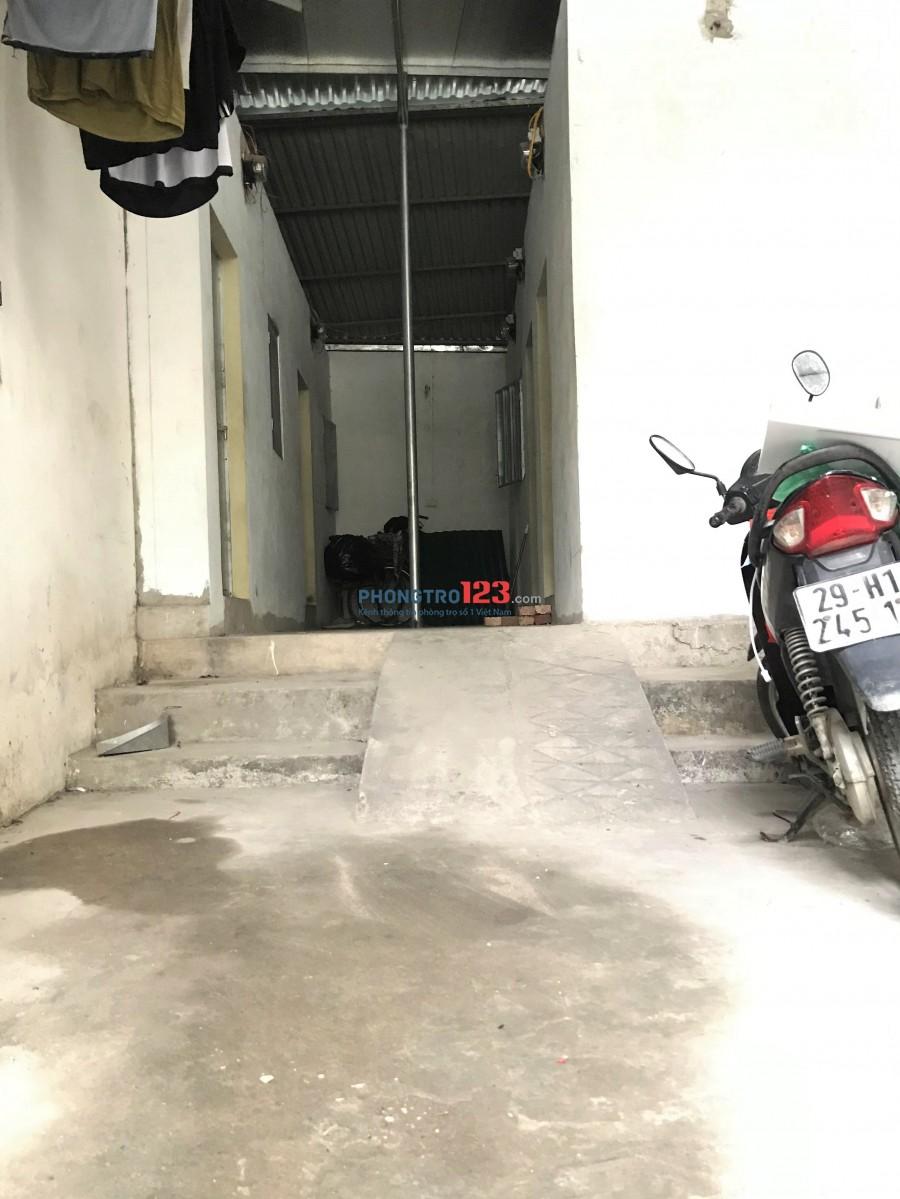 Trọ Hà Đông- Phương Lương- Chợ Xốm, Điện 2500/1 số, sân riêng, giờ giấc tự do. Giá 750k