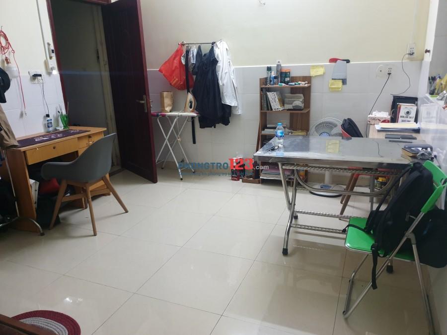 Phòng 20 m2 sạch đẹp D1 - Linh Tây cho thuê