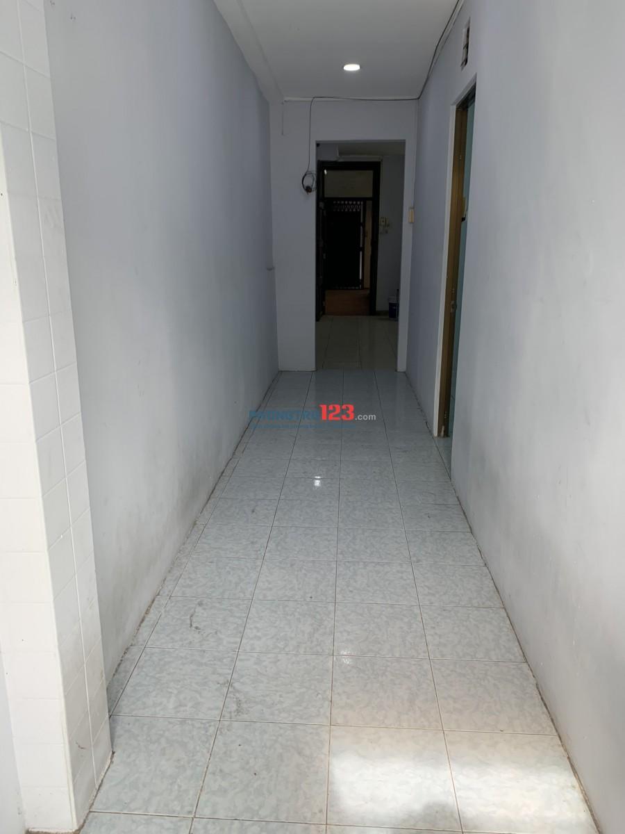 ban công ,sáng thoáng 120m2 ,trần phú ,quận 5