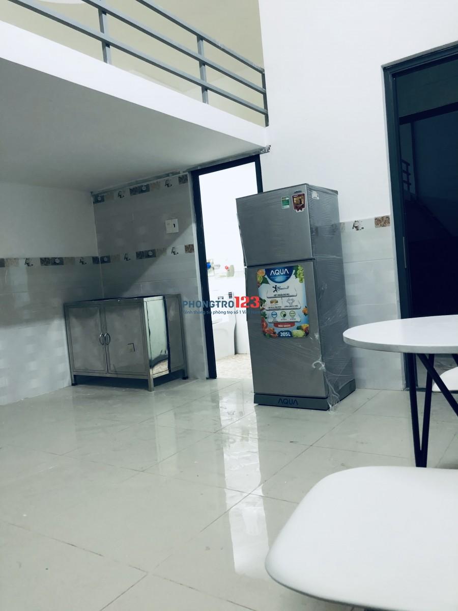 Cho thuê phòng máy lạnh mới xây giờ giấc tự do