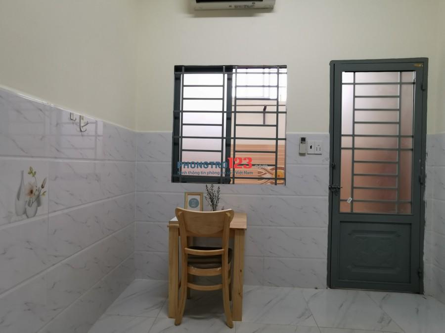 Phòng Gần Khu Chế Xuất Có Gác Co Máy Lạnh