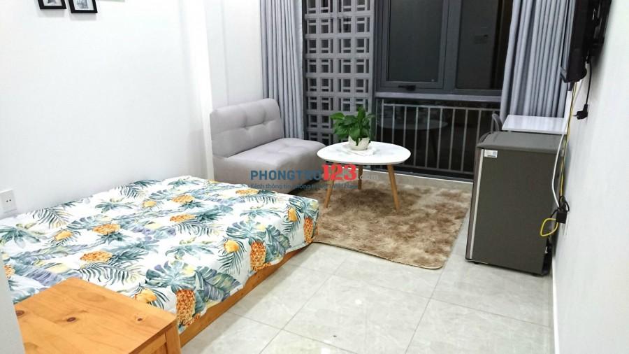 Cho thuê Phòng mới mặt tiền Hoàng Sa Quận 3 full nội thất gần cầu Trần Quang Diệu (hình thật 100%)
