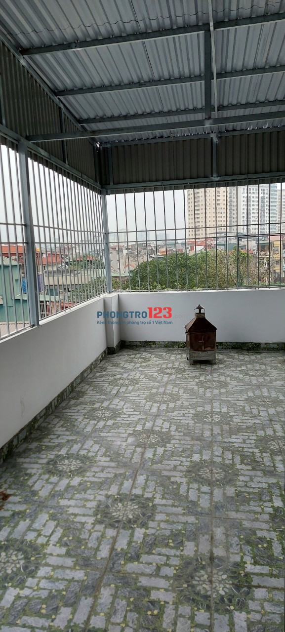 Nhà mới xây còn dư phòng 30 m2 tầng 3 cho thuê tại Trương Định