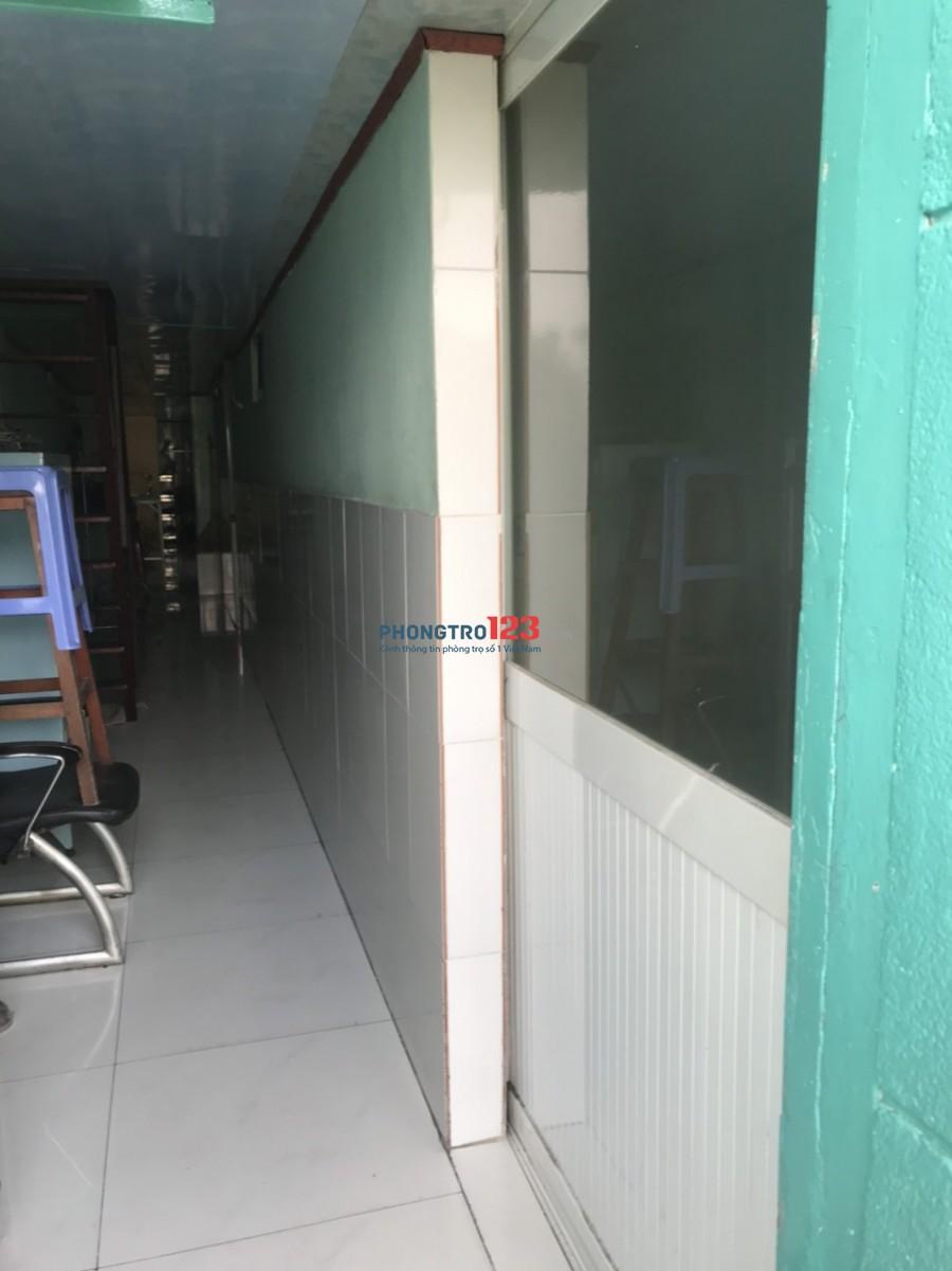 Chính chủ cho thuê phòng rẻ đẹp tại 802 Võ Văn Kiệt P5 Q5 giá từ 1tr/tháng