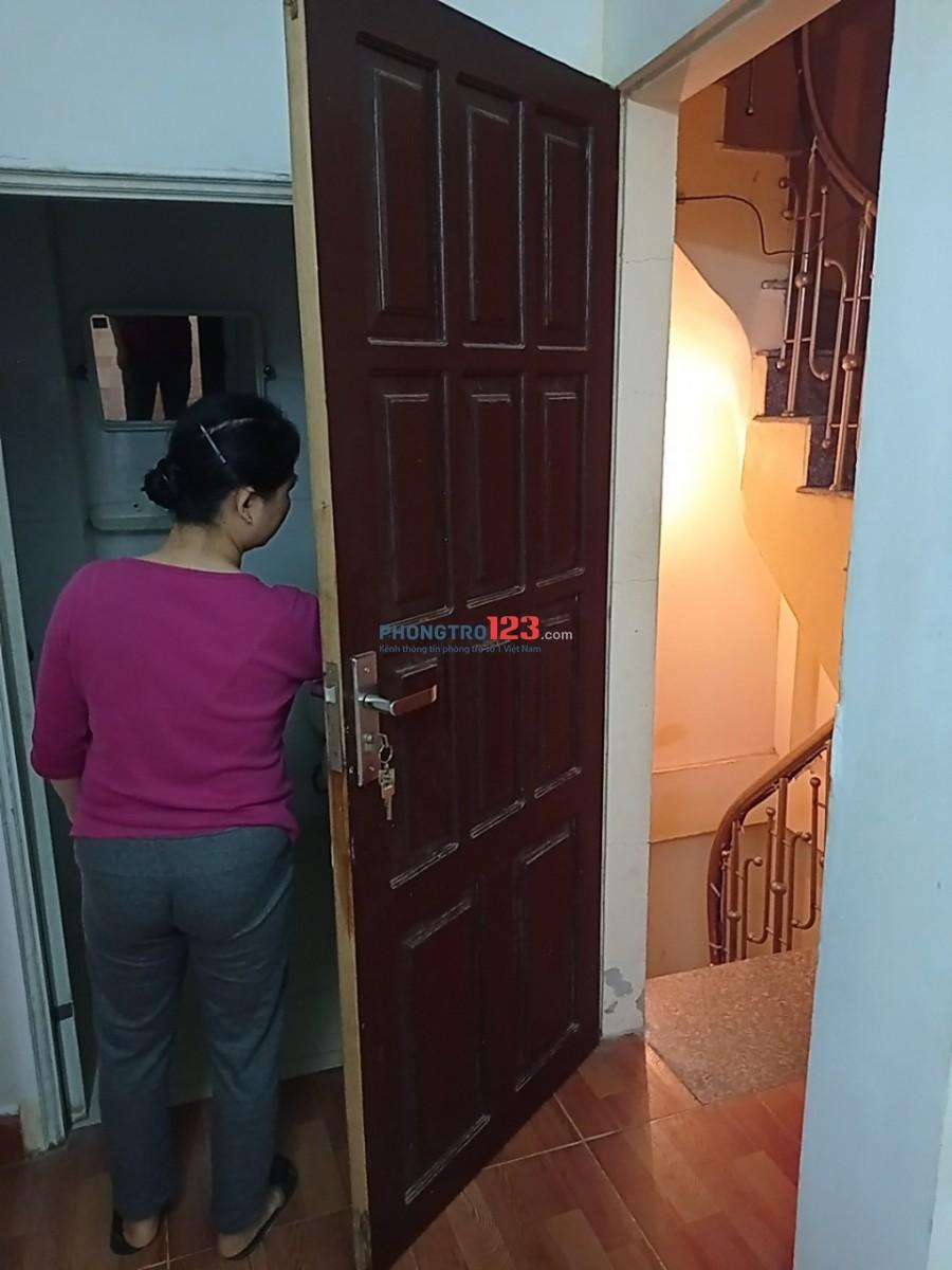 Cho thuê tầng 4 ( nhà 5 tầng) ngõ 68 xuân thủy, Khu tập thể HV báo chí tuyên truyền