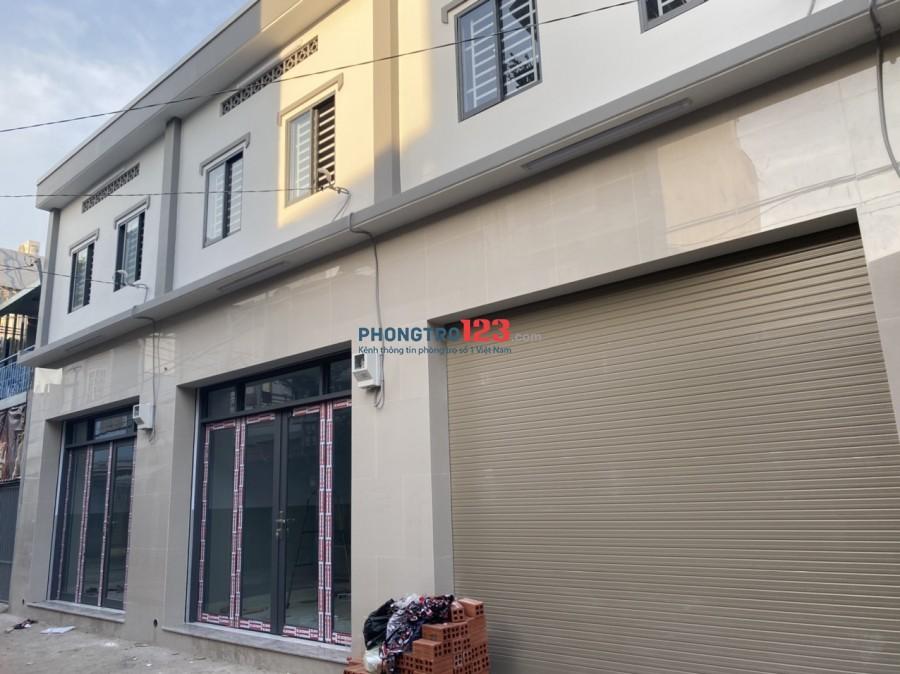 Nhà mặ tiền mới xây cho thuên nguyên căn.ngay chợ Lạc Quang thuận tiện mua bán
