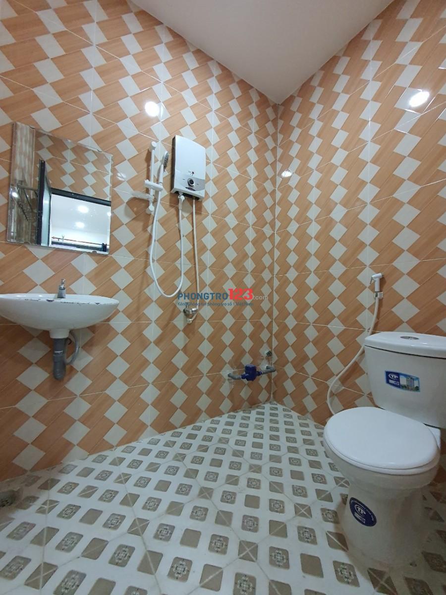 Căn Hộ Cao Cấp full nội thất- có Ban Công, Nguyễn Duy Trinh,Q2