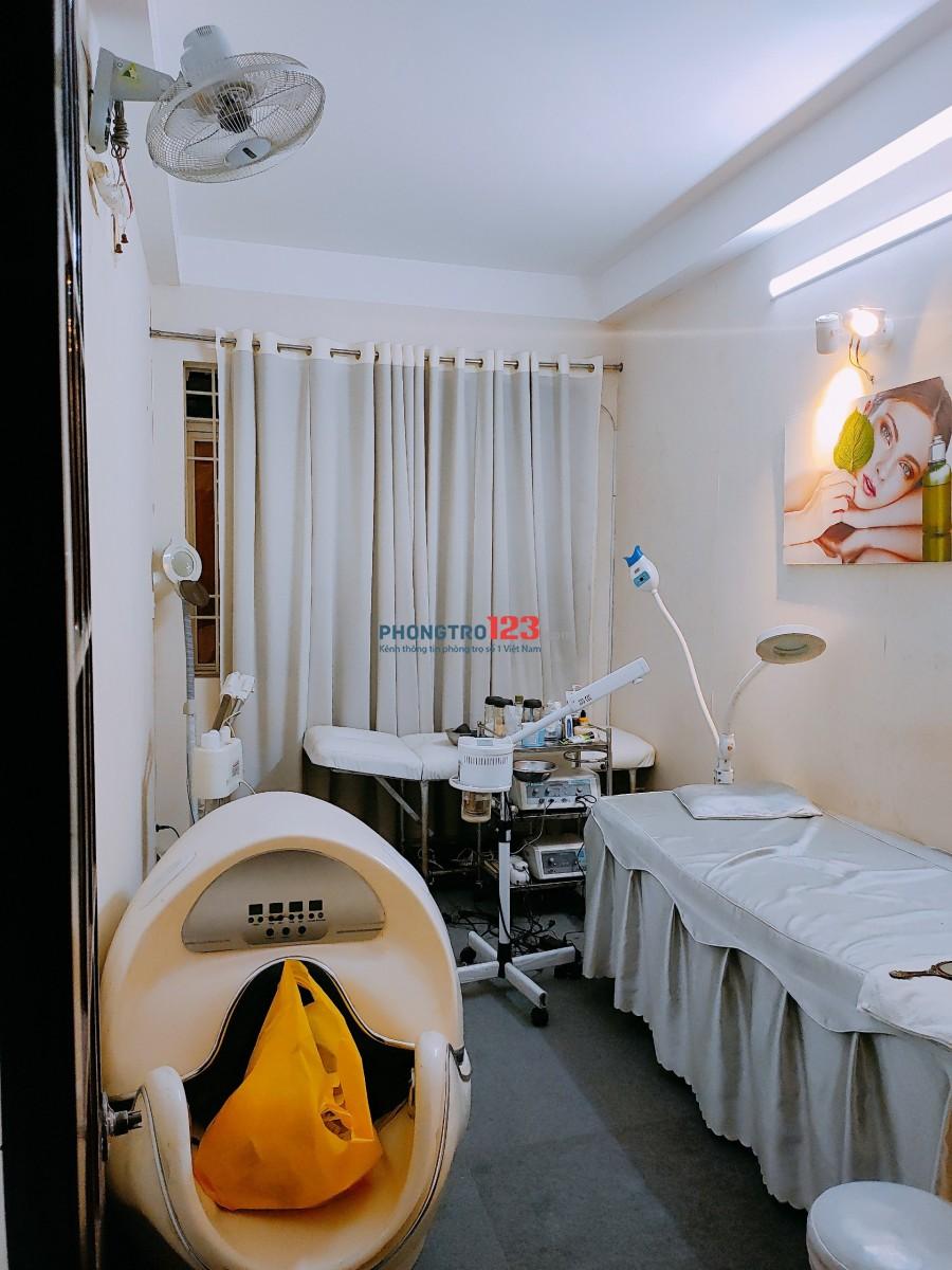 Chính chủ cần sang spa đang KD đầy đủ vật dụng tại 480/38 Nguyễn Tri Phương P9 Q10