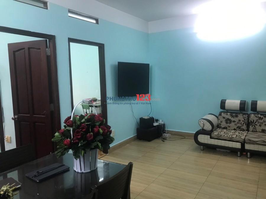 Cho thuê căn hộ chung cư Bàu Cát 2, lô K, 2 phòng ngủ, đầy đủ nội thất, rất yên tĩnh, thoáng mát