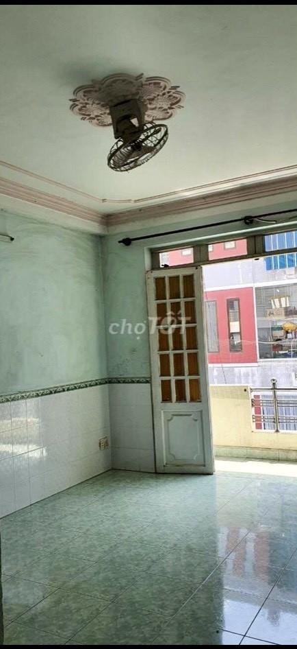 Cho thuê nhà nguyên căn 1 trệt 3 lầu mặt tiền chợ Hạnh Thông Tây Q Gò Vấp