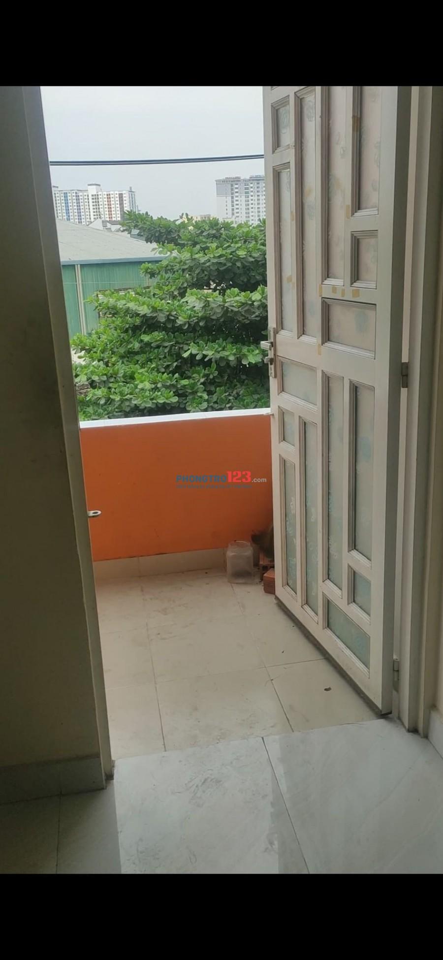 Cho thuê phòng trọ 25m2, Ban công, Toilet riêng, Giờ tự do.