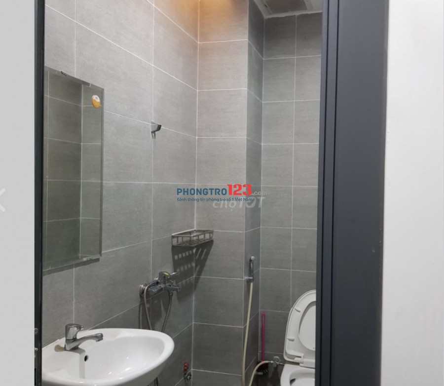 Cho thuê phòng có nội thất nhà mặt tiền 17 Đường Nguyễn Chí Thanh P9 Q5 giá từ 4tr/th