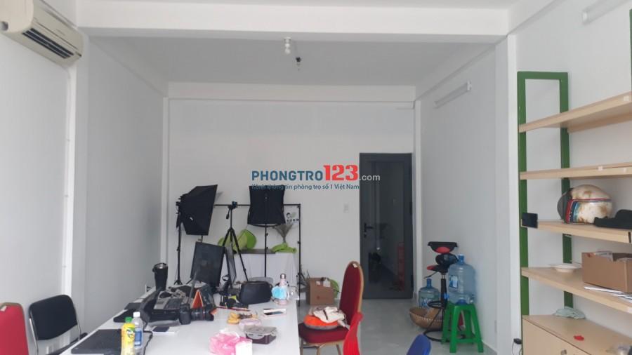 Cho thuê tầng 1 nhà mặt tiền Trần Quốc Thảo