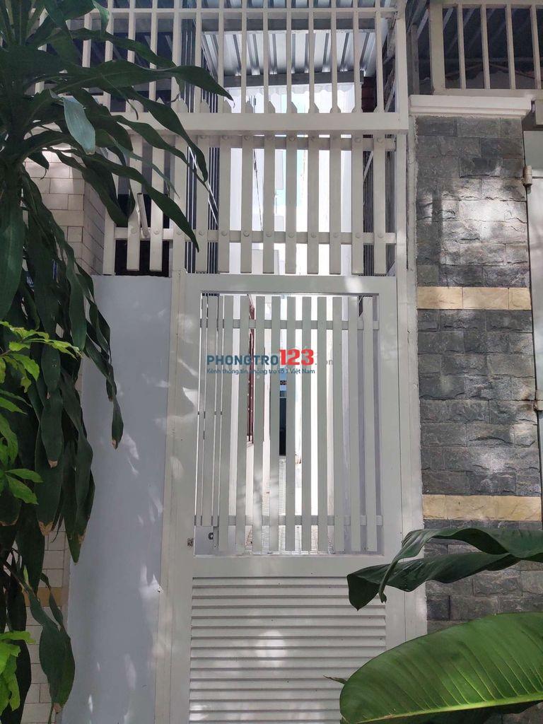 Cho thuê nhà nguyên căn mới, mặt tiền đường, cách biển Nha Trang 1km (giá ưu đãi mùa Covid)