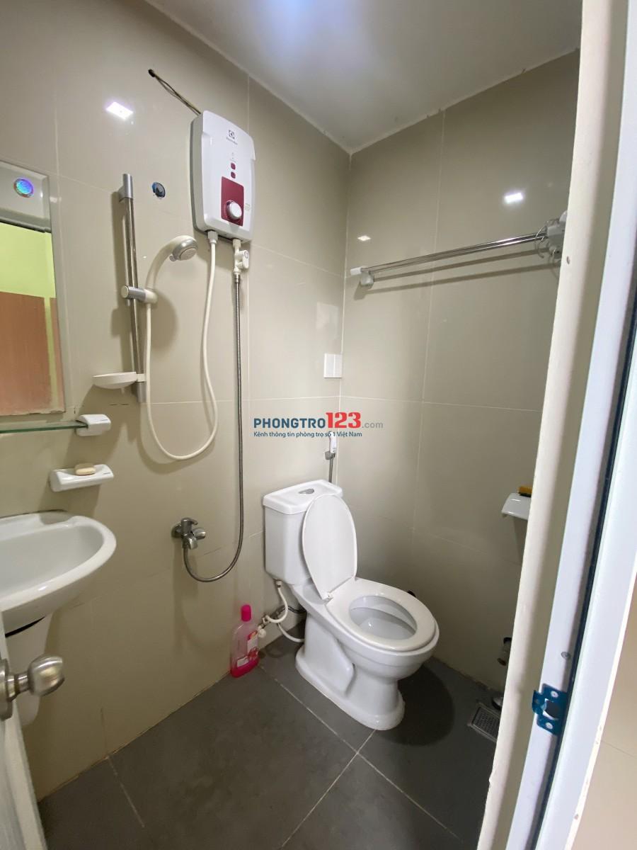 Căn hộ 1 phòng ngủ 1 phòng bếp 40m2 ở Hàng Xanh