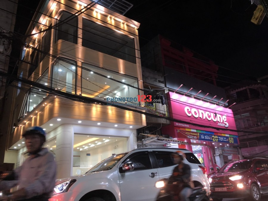 Cho thuê nhà góc 2MT Phạm Văn Hai.