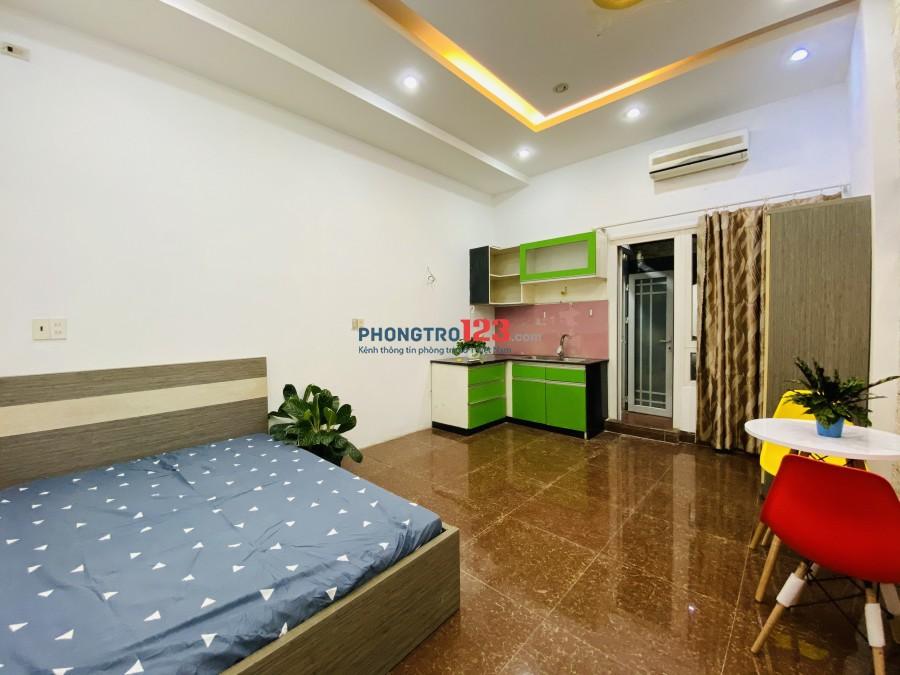 Phòng vip đầy đủ nội thất, cách NGÃ TƯ HÀNG XANH 5p