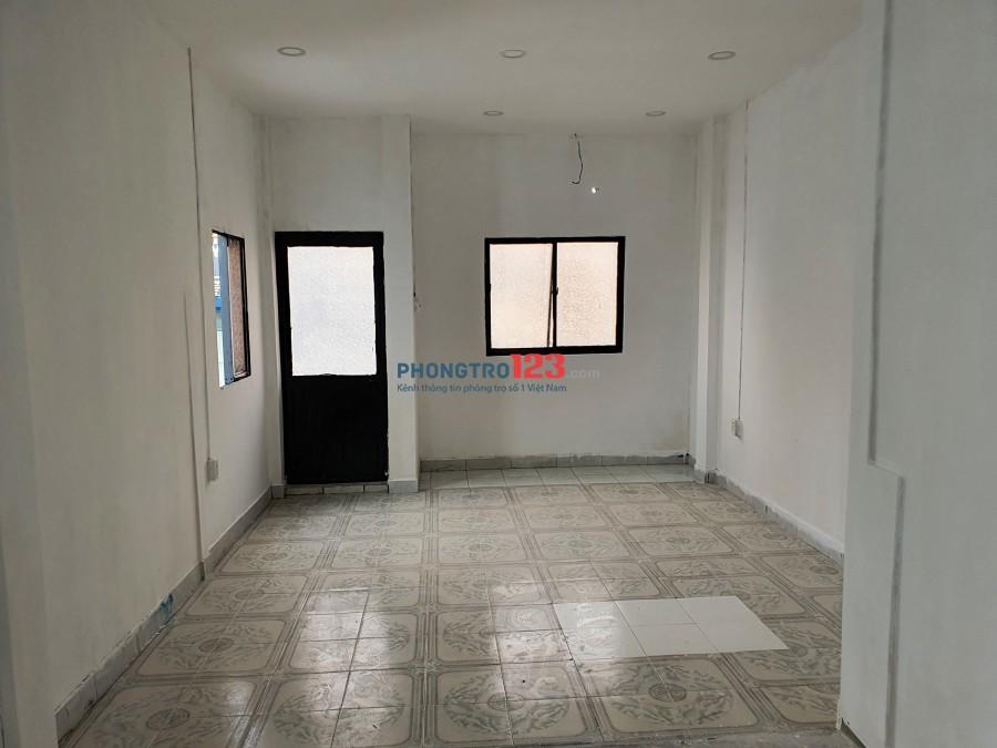 Cho thuê tầng 3 tòa nhà mặt tiền 19 Đường số 2 CX Đô Thành P4 Q3 giá 8tr/th