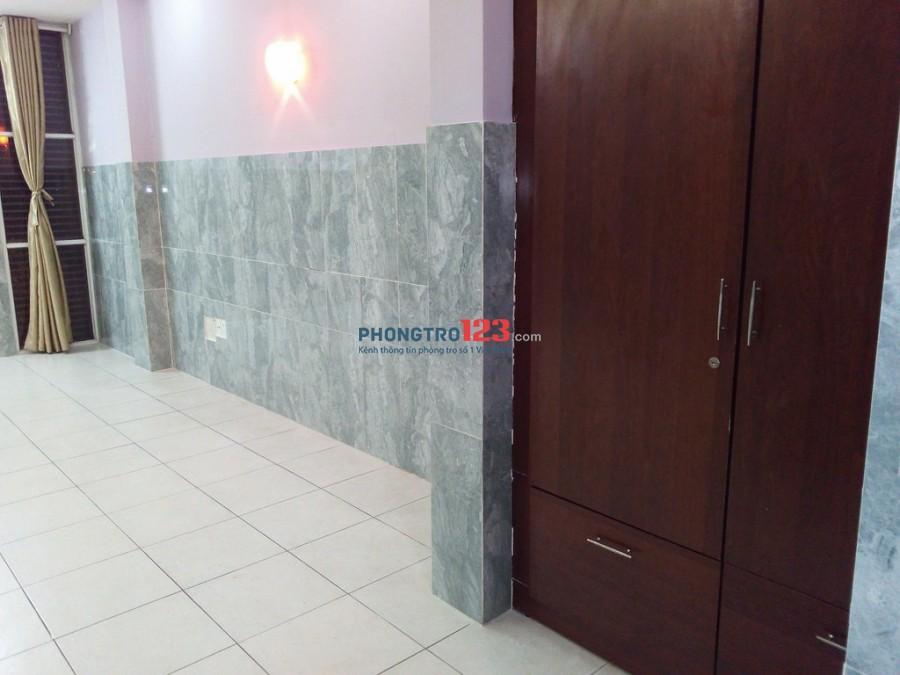 Phòng VIP 30m2 biệt thự Bình Lợi, có ban công