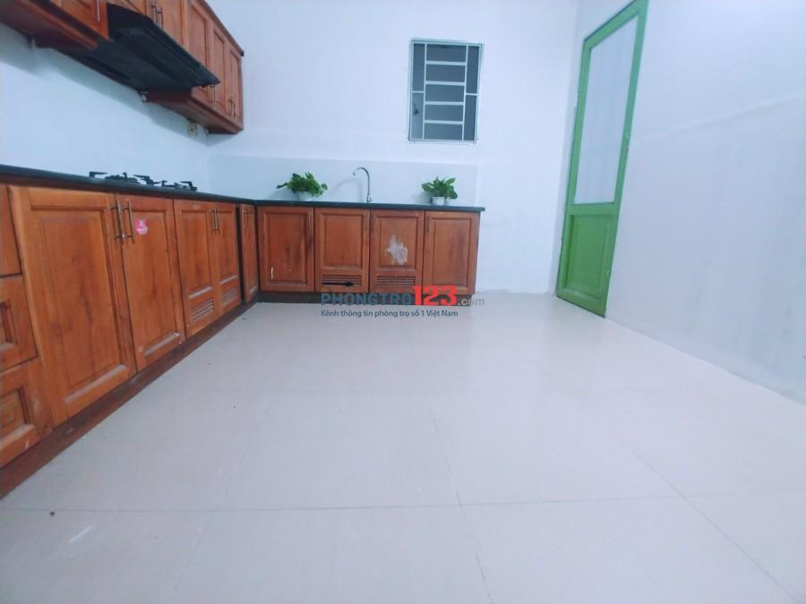 Phòng sạch đẹp thoáng mát ngay Huỳnh Văn Bánh-Lê Quý Đôn