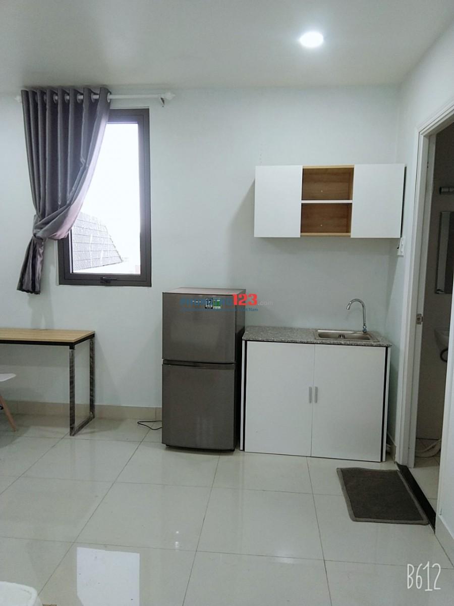 Phòng 20m2 MT Võ Văn Kiệt, thoáng full NT+ Thang Máy giá 4tr