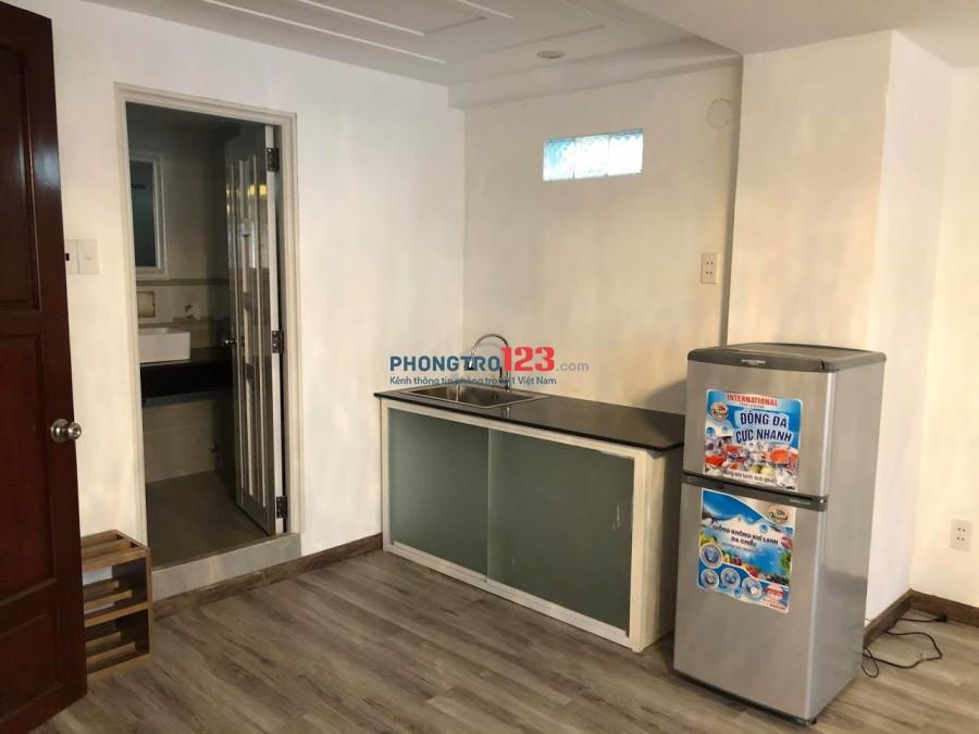Cho thuê phòng mới 45m2 chuẩn Khách sạn có balcon riêng tại Tô Hiến Thành P13 Q10