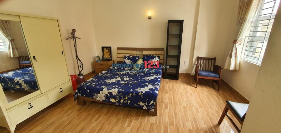 Cho thuê phòng 40m2 đầy đủ nội thất sát q1