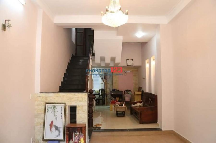 Cho thuê nhà nguyên căn 3 tầng gần Giga mall thủ đức