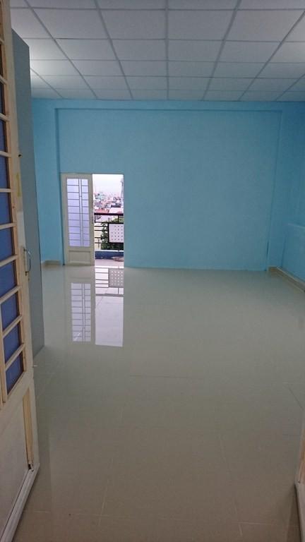 Phòng 28m2 có ban công, gần ĐH Công Nghiệp, đối diện siêu thị Emart