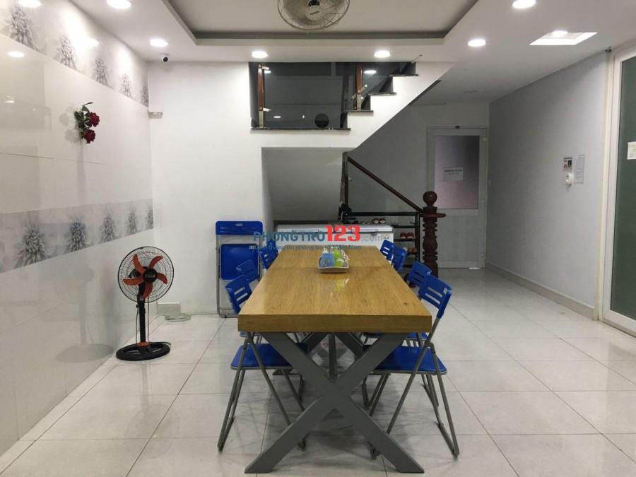 Ký túc xá mới xây quận Tân Bình chỉ 1tr250 bao trọn gói (wifi, dịch vụ, điện, nước) Phạm Cự Lượng, gần ĐH Tài Chính