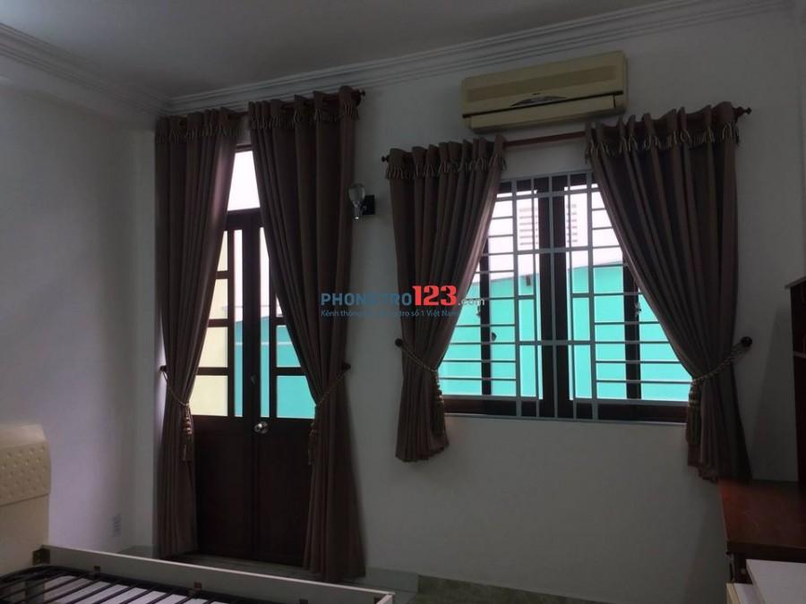Nhà nguyên căn, share phòng cho NVVP thuê (vị trí trung tâm, Giáp Q1)