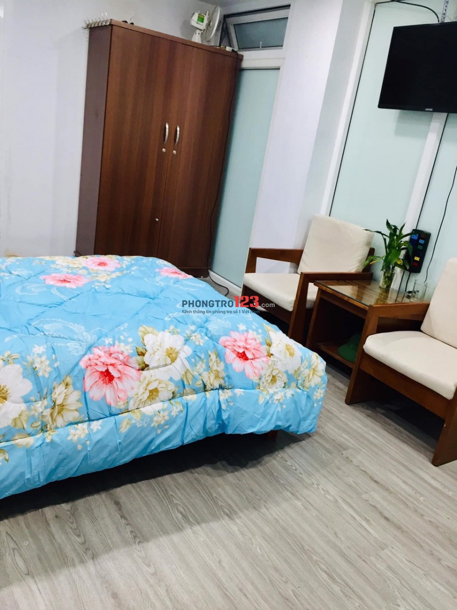Cho thuê CCMN full đồ khép kín, sàn gỗ tại Lạc Long Quân, Tây Hồ giá cực rẻ
